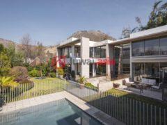 居外网在售智利4卧4卫的房产总占地675平方米CLP 790,000,000