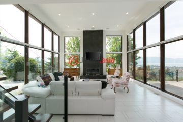 居外网在售加拿大基洛纳5卧5卫的房产总占地425平方米CAD 2,099,000