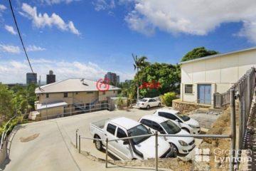 居外网在售澳大利亚8卧4卫曾经整修过的房产总占地1002平方米AUD 1,400,000