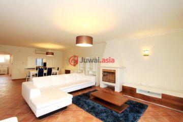 居外网在售葡萄牙Castro Marim3卧4卫的房产总占地300平方米EUR 375,000