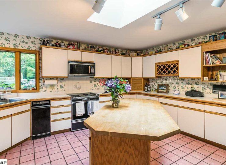 美国南卡罗来纳州辛普森维尔4卧的房产
